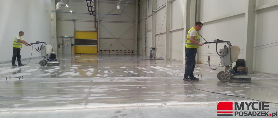 Polerowanie betonu dla firmy3M Wroclaw w trakcie prac